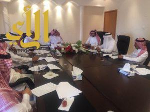 برئاسة آل محضي محلي تنومة يناقش احتياجات المستشفى العام