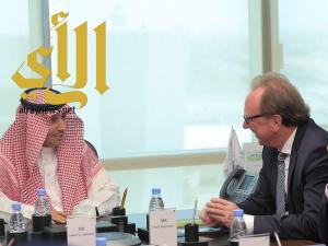 """""""الغفيص"""" يستقبل نائب مدير المكتب الإقليمي لمنظمة العمل الدولية"""