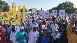 600 مشارك في مهرجان المشي بتعليم عسير