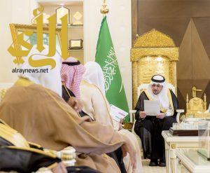 أمير القصيم يستقبل رئيس وأعضاء جمعية تآلف الخيرية في عنيزة