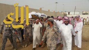 العتيبي والمطيري يتقدمان مشيعي الشهيد الجندي أول وائل مدخلي