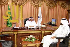 مدير جامعة نجران يناقش مع مدير التعليم تحقيق التكامل