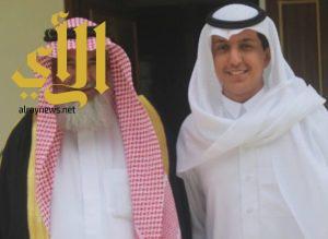 وسام الملك عبد العزيز للشاب خالد آل طوق