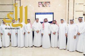 وزير الاتصالات وتقنية المعلومات يجتمع مع رجال و سيدات الاعمال و عدد من وجهاء الاحساء
