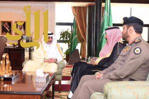 فهد بن سلطان يستقبل مدير شرطة منطقة تبوك سابقا