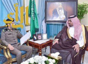 نائب أمير نجران يلتقي مدير العمليات المشتركة والدوريات بالمنطقة
