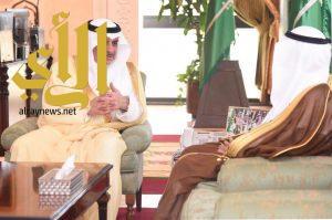 أمير تبوك يلتقي المهندس فارس الشفق بمناسبة تكليفه أميناً للمنطقة