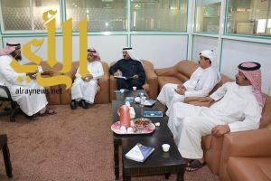 امين عام غرفة الباحة ورئيس لجنة الاستثمار في زيارة لجمعية البر ببلجرشي