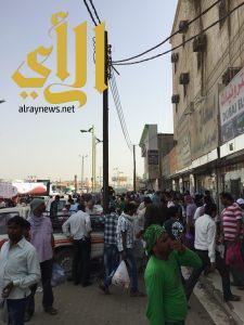 عمال المدينة الإقتصادية ينعشون حركة البيع والشراء في محافظة بيش