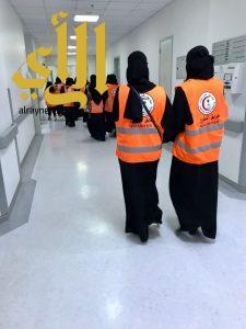 متطوعات الهلال الأحمر بالجوف يقمن بزيارة المرضى بتخصصي سكاكا