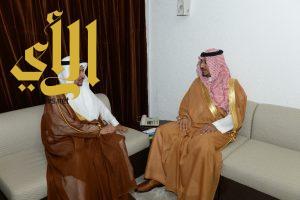 نائب أمير عسير يلتقي رجال الأعمال بالمنطقة