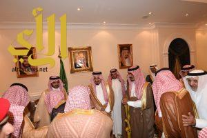 أمير عسير يلتقي أصحاب المعالي والفضيلة ومديري الإدارات الحكومية في المنطقة
