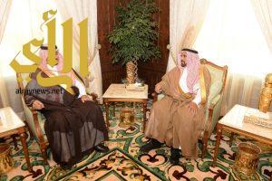 نائب أمير عسير يستقبل مدير عام الخطوط السعودية بالمنطقة الجنوبية