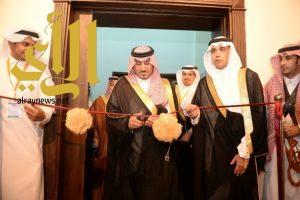الأمير منصور بن مقرن يدشن 57 برنامجا صيفيا بتعليم عسير
