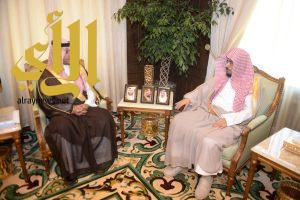 نائب أمير عسير يستقبل رئيس المحكمة الجزائية بأبها