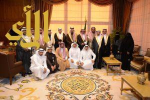 أمير عسير يستقبل الحويزي وأعضاء مجلس إدارة الغرفة التجارية الصناعية