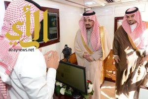 أمير عسير يدشن وحدة الخدمات المتنقلة للأحوال المدنية