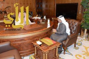 أمير عسير يستقبل المدير الإقليمي لصحيفة الرياض