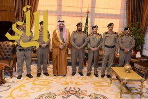 أمير عسير يستقبل مدير الدفاع المدني بالمنطقة