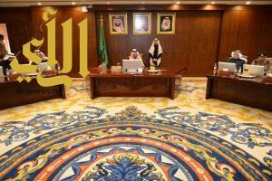 أمير عسير يترأس اجتماع لجنة التوطين بالمنطقة