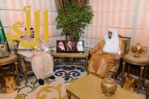 أمير عسير يستقبل رئيس المحكمة الإدارية