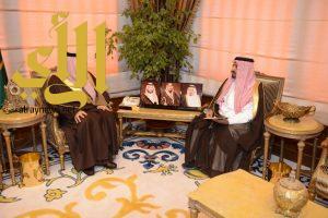 أمير عسير يستقبل أمين لجنة الرئيسية إصلاح ذات البين