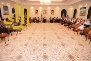 أمير عسير يلتقي أصحاب المعالي و الفضيلة والقضاة ومديري الإدارات الحكومية وأعضاء مجلس المنطقة والبلدي