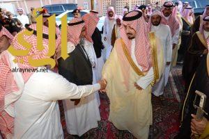 أمير عسير يعزي أسرة الشهيد الحدادي
