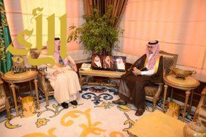 أمير عسير يستقبل مدير فرع هيئة الفساد بالمنطقة