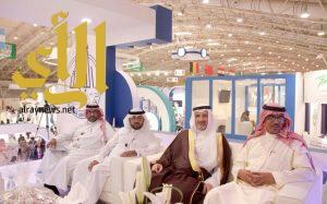 مدير جامعة الباحة يتفقد جناح الجامعة المشارك في المعرض الدولي للتعليم العالي