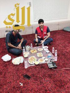 رجال الهلال الأحمر بالباحة مابين الإفطار والإنقاذ