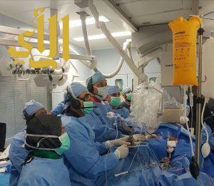 إجراء عملية إصلاح للصمام المترالي بدون جراحة في مدينة الملك عبدالله الطبية
