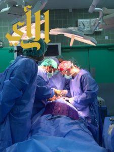 نجاح عملية جراحية نادرة لإنهاء معاناة طفلين في جازان