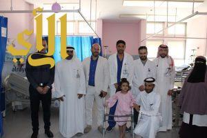 جراحة نوعية لطفلة تعرضت لحادث دهس بمستشفى الملك فهد بالهفوف