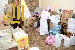 بلدية النعيرية والشرطة تضبطان شقة حولتها عمالة مطعم
