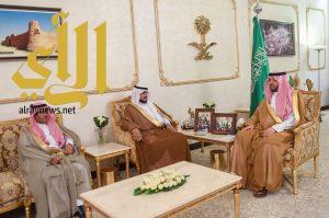 """الأمير فيصل بن خالد بن سلطان يستقبل رئيس"""" تراحم """" بالمنطقة"""