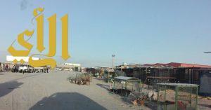 بلدية النعيرية تخلي موقع بسطات الطيور احترازيا