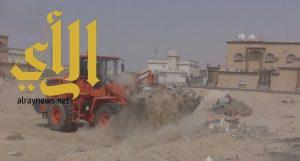 بلدية النعيرية تبدأ حملتها لإزالة الأنقاض والمخلفات بالمحافظة