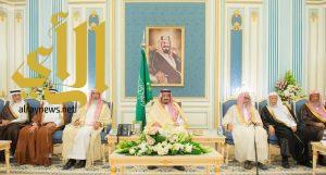 خادم الحرمين الشريفين يستقبل أصحاب السمو الأمراء ومفتي عام المملكة