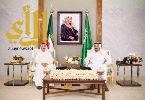 خادم الحرمين وأمير الكويت يبحثان تعزيز العلاقات ومستجدات المنطقة