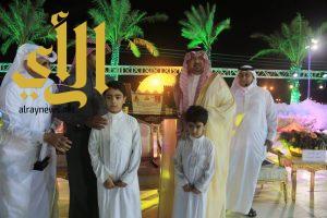المتحمي يكرم الشاعر سعد بن جدلان في أولى أمسيات محايل أدفأ الشعرية