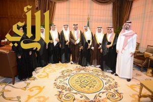 أمير عسير يستقبل رئيس وأعضاء هيئة الصحفيين