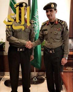 مدير جوازات الرياض يقلد القحطاني رتبة عميد