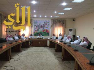 بحضور مكني .. محافظ قلوة يترأس اجتماع لجنة حماية البيئة الفرعية