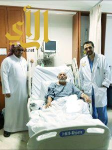 بن رزق الله يجري عملية قلب مفتوح بتخصصي جدة