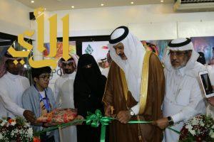 """الأمير الدكتور فيصل بن محمد يفتتح معرض """" جسفت الرياض التشكيلي الثالث """""""