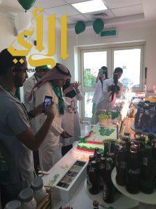 مستشفى الإمام عبدالرحمن الفيصل بالرياض يحتفل باليوم الوطني ٨٧ مع الأطفال المنوّمين