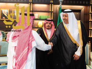 أمير الباحة يستقبل والد و أشقاء وأبناء الشهيد أحمد الزهراني