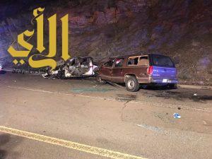 حادثين منفصلين وانقلاب يخلف 6 اصابات بالباحة