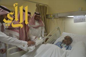 أبناء أمير الباحة يهنئون مرضى مستشفيات الباحة بشهر رمضان المبارك
